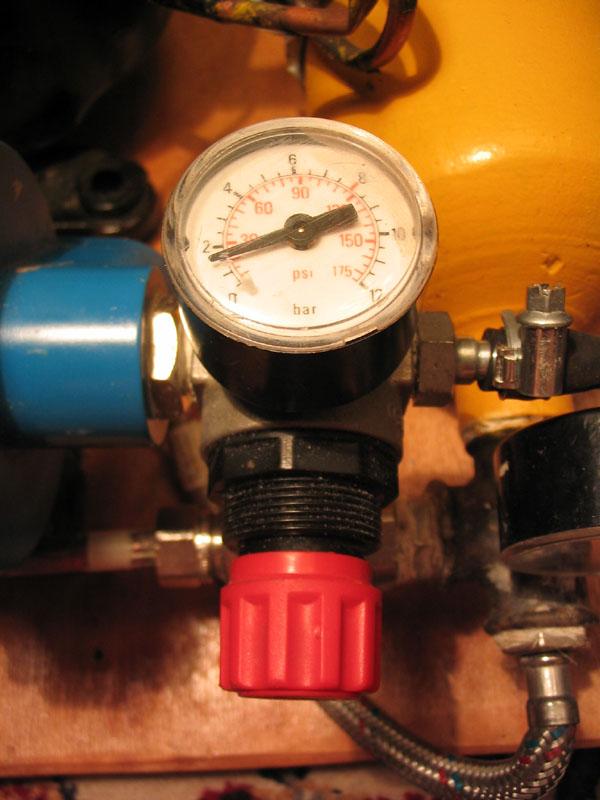 Самодельный компрессор для аэрографа.